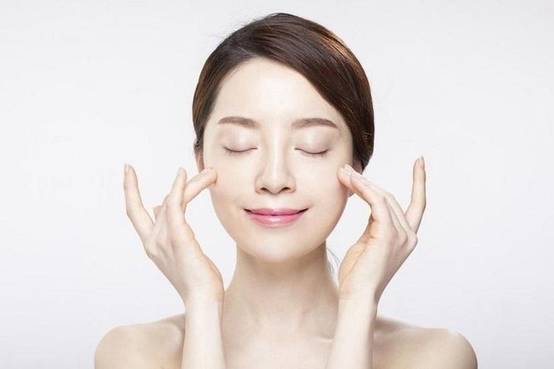 Tính axit trong nước gần giống với môi trường da mặt